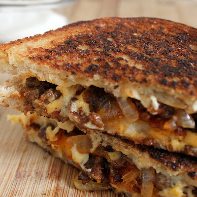 Chorizo y Papas Grilled Cheese