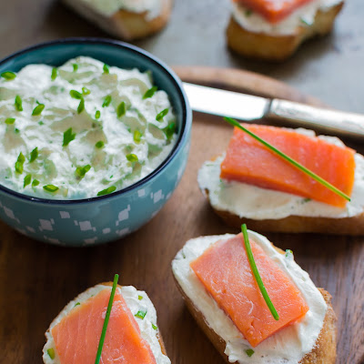 SMOKED SALMON GOAT CHEESE BRUSCHETTA
