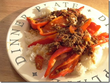 sweet pepper w veg mince in fresh tomato sauce   rice2