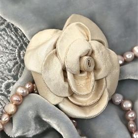 Beige silk rose