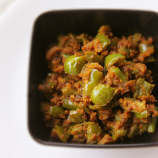 Capsicum Besan Sabji (Stir-Fried Bell Pepper and Chickpea Flour Stir-Fry)