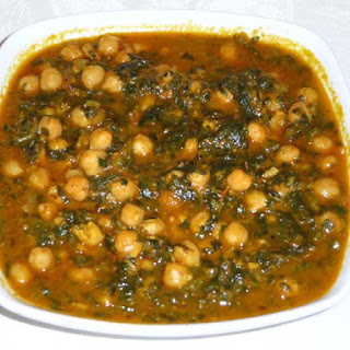 Chole Palak (Chickpeas With Spinach)
