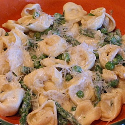 Tortellini, Peas and Asparagus with Creamy Tarragon Sauce