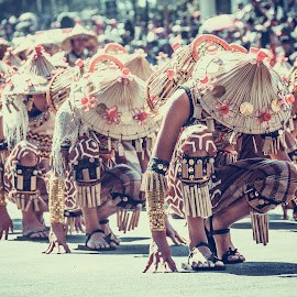 Bow Down by Davz Alunan - People Street & Candids ( panagbenga, flower festival 2015, philippines, baguio city )