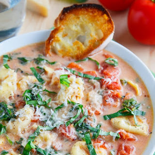 Creamy Parmesan Tomato and Spinach Tortellini Soup