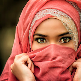 Sharp Eye by Roynindra Malaon - People Portraits of Women