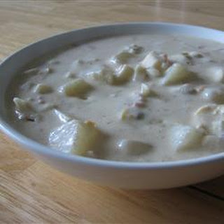 Emma's Slow Cooker Clam Chowder