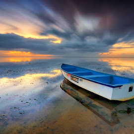 Karang Beach - Bali by Ichsan Photoworks II - Landscapes Beaches ( bali, nature, indonesia, sunrise, beach, nikon, motion, boat, landscape )