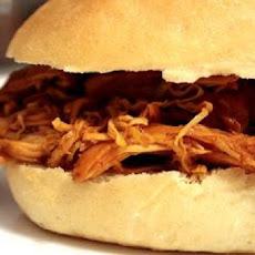 Pulled Chicken Sandwiches (Crock Pot)