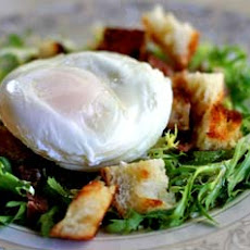 Poached Egg and Bacon Salad - Salad Lyonnaise