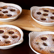 Warm Almond Cakes with Grapes