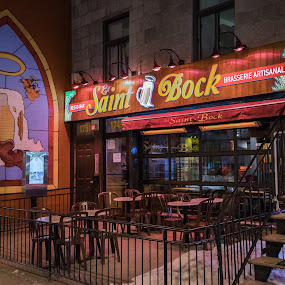 Le Saint Bock by Stéphane Vaillancourt - Buildings & Architecture Other Exteriors ( urban, montreal, building, quebec, canada, street, bar, le saint bock, pub )