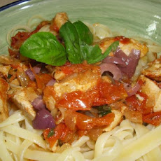 Pasta With Chicken and Sun-Dried Tomatoes