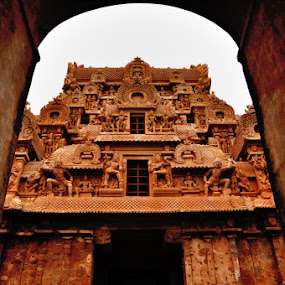 Brihadeeswara temple gate by Akash Kumar - Buildings & Architecture Places of Worship ( temple, old, grand, arcitecture, big, worship, brihadeeswara temple, gate )