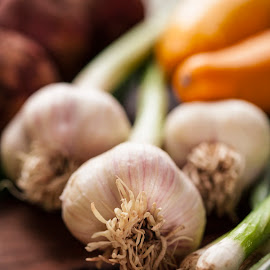 Fresh Garlic by Andre Lindo - Food & Drink Fruits & Vegetables ( farm, garlic, fresh, veggies )