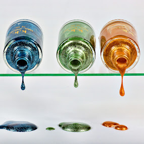 nail varnish by Vibeke Friis - Artistic Objects Other Objects ( spilling, nail polish, blue, drops, bottles, gold, green yellow )