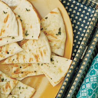 Garlic-Oregano Grilled Pita Bread