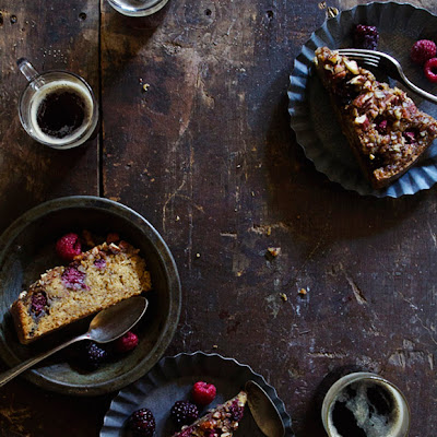 Mixed Berry Oatmeal Cake