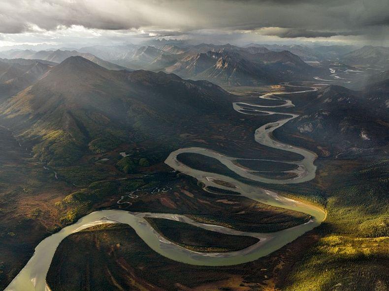 the meandering alatna river in alaska amusing planet