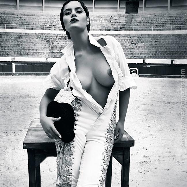 Ana Lucia Dominguez Desnuda SoHo Foto 2