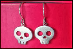 20-Creative-Yet-Scary-Halloween-Ear-Rings-Designs-Ideas-2012-For-Kids-Girls-3