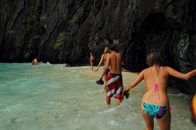 Enroute to the secret lagoon in the waters off El Nido, Philippines