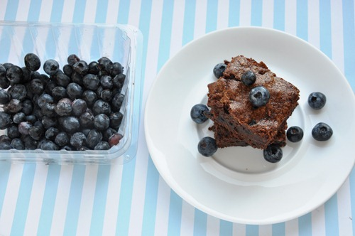 blueberry brownies 077