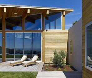 terraza-de-madera-con-piscina