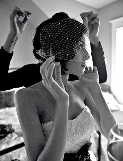 Short-Wedding-Hairstyles-for-Women-2