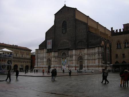 Obiective turistice Bologna: Biserica San Petronius