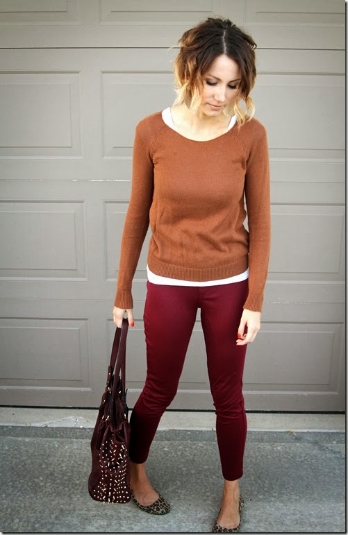 Pair multiple autumn colors, leopard print and gold jewelry for a chic Fall look.