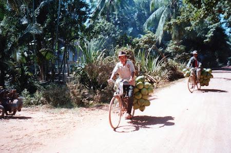 Pe bicicleta in Cambogia