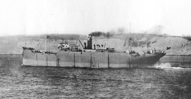 El MAR NEGRO en sus pruebas de mar. Foto Archivo José Manuel Budiño Carles. Libro OBRAS S.E. de C.N. Año 1921.jpg