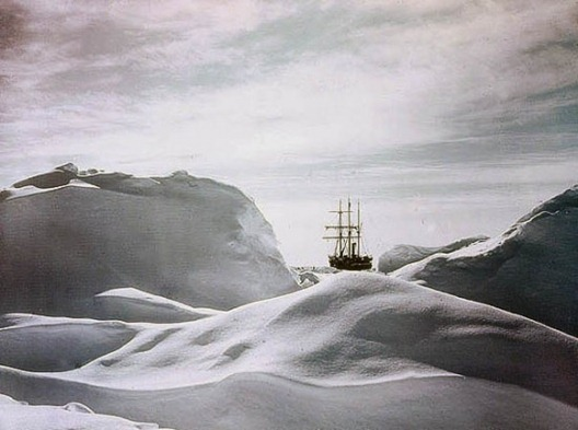 5CD9A085_Glimpse-of-the-Ship-Endurance-through-Hummocks-1915-550x409