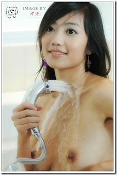 Little Hot Chinese Girl Naked in Studio Shots (7)