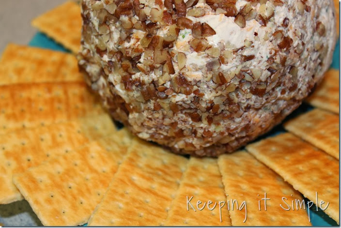 bacon-cheddar-cheese-ball-recipe (5)