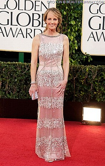 HELEN HUNT OROTON ICON MINI CLUTCH AT 70TH ANNUAL GOLDEN GLOBE AWARDS Dolce & Gabbanna lace gown Spring Summer 2013 leather bag, beaded, sequins, wallets accessories Australia luxury brand Best Supporting Actress for The Sessions