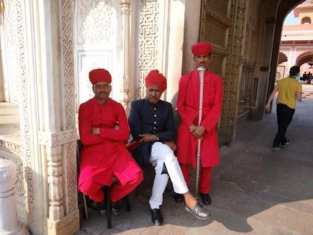 49. Garzile maharajahului din Jaipur.JPG
