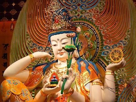 05. Buddha Tooth Relic - Singapore.JPG