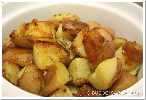 ROASTED POTATOES WITH DUCK FAT© BUSOG! SARAP! 2011