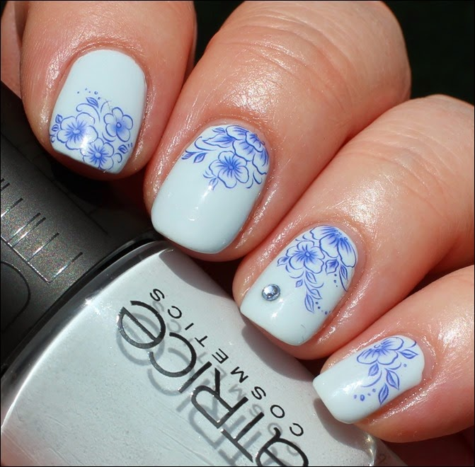 Blue Friday Flowers Blaue Blümchen Mottomonat Blütenzauber Nail Art Nageldesign Water Decals 00