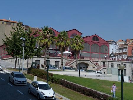 Piata centrala Porto transformata in discoteca