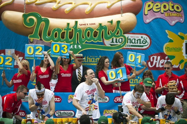 hot-dog-eating-contest11