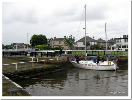 No where else to moor, they just had to moor in the lock entrance.