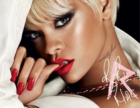 RiRi-Holiday-Beauty-300-102113