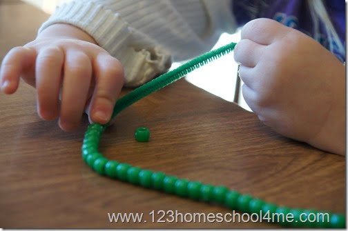 St. Patrick's Day 4 Leaf Clover Bead Necklace for Preschoolers