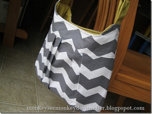 gray and yellow chevron pleated bag (9)[4]