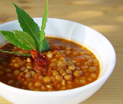 tasty-vegetarian-lentil-soup-21238719