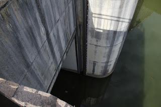 洪水吐の角落とし部分