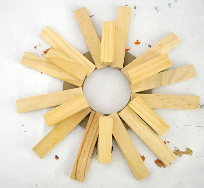 Patriotic Sunburst Wreath - Before - The Silly Pearl
